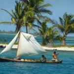 Sembra impossibile ma con queste imbarcazioni vanno da un'isola all'altra lungo tutto l'arcipelago.